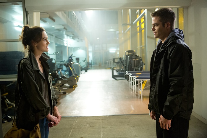 Left to right: Keira Knightley is Cathy Muller and Chris Pine is Jack Ryan in JACK RYAN: SHADOW RECRUIT, from Paramount Pictures and Skydance Productions. JR-07349R
